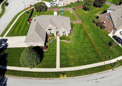 Property photo 906 Cabernet Drive