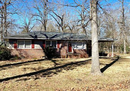 Property photo 1704 Maple Leaf Drive