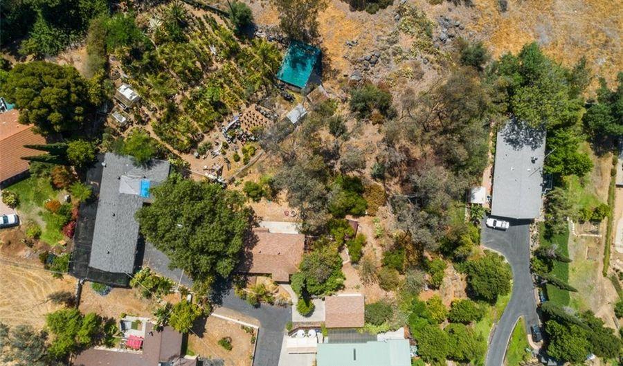 1140 Highland Heights Lane, Escondido, CA 92026 - 2 Beds, 1 Bath