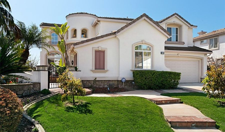 6723 Barberry Place, Carlsbad, CA 92011 - 5 Beds, 3 Bath