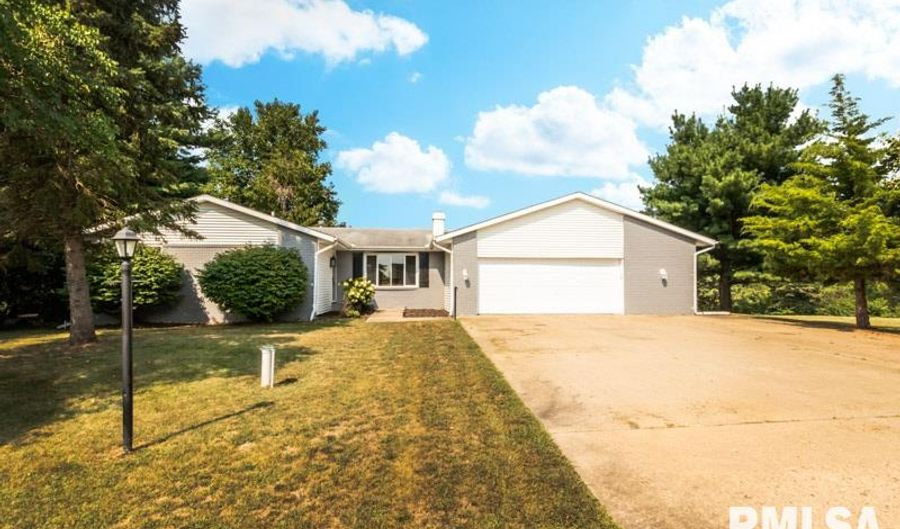 14255 GRANDVIEW Drive, Manito, IL 61546 - 3 Beds, 3 Bath