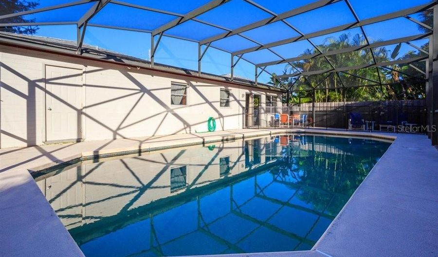 2823 CARROLL PLACE, Orlando, FL 32804 - 3 Beds, 2 Bath