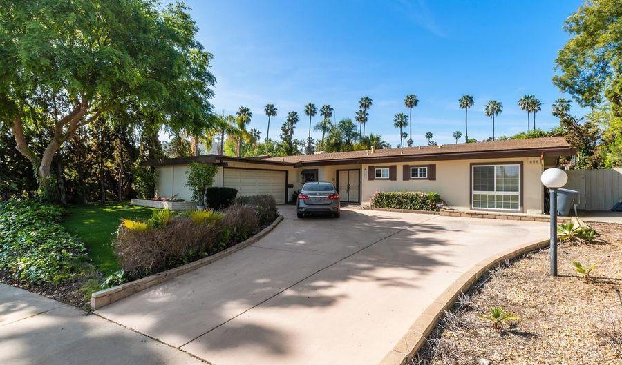 9377 Monona Dr, La Mesa, CA 91942 - 3 Beds, 3 Bath