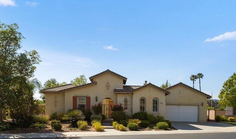 2620 Turnberry Gln, Escondido, CA 92026 - 4 Beds, 4 Bath