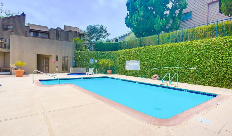 675 S Sierra, Solana Beach, CA 92075 - 2 Beds, 3 Bath