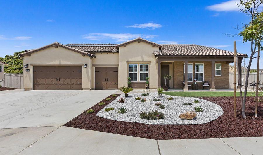 1364 Vista Ave, Escondido, CA 92026 - 4 Beds, 4 Bath