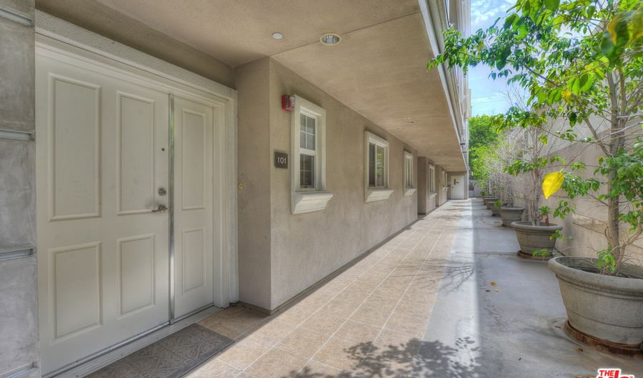 1742 FEDERAL AVE, Los Angeles, CA 90025 - 3 Beds, 3 Bath
