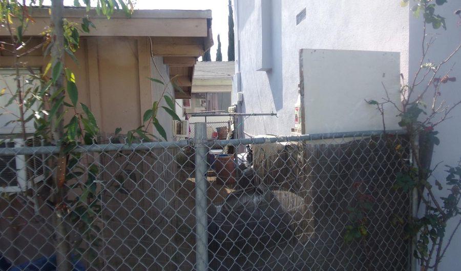 1017 S Herbert Avenue, Los Angeles, CA 90023 - 6 Beds, 5 Bath