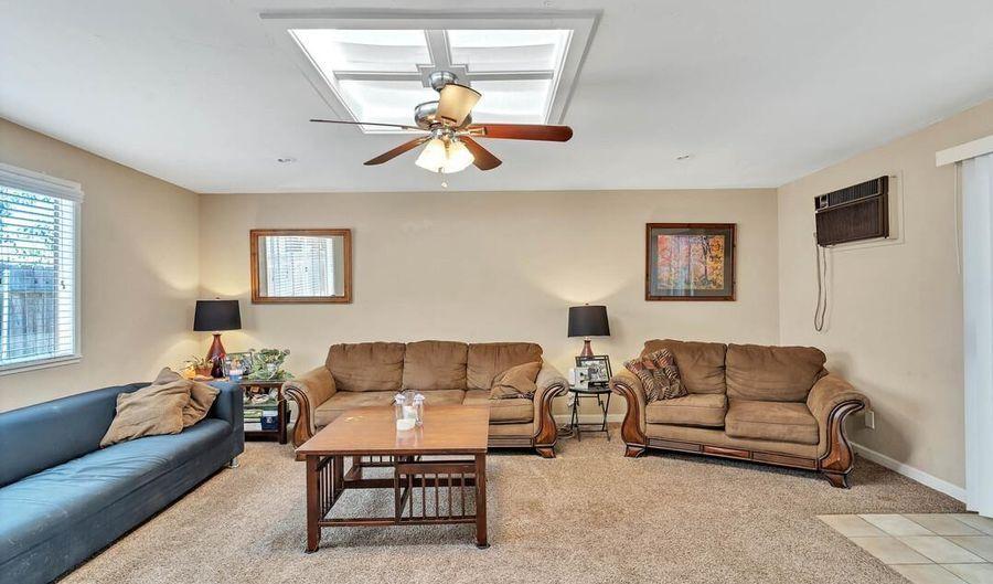 917 N Beech Street, Escondido, CA 92026 - 4 Beds, 2 Bath