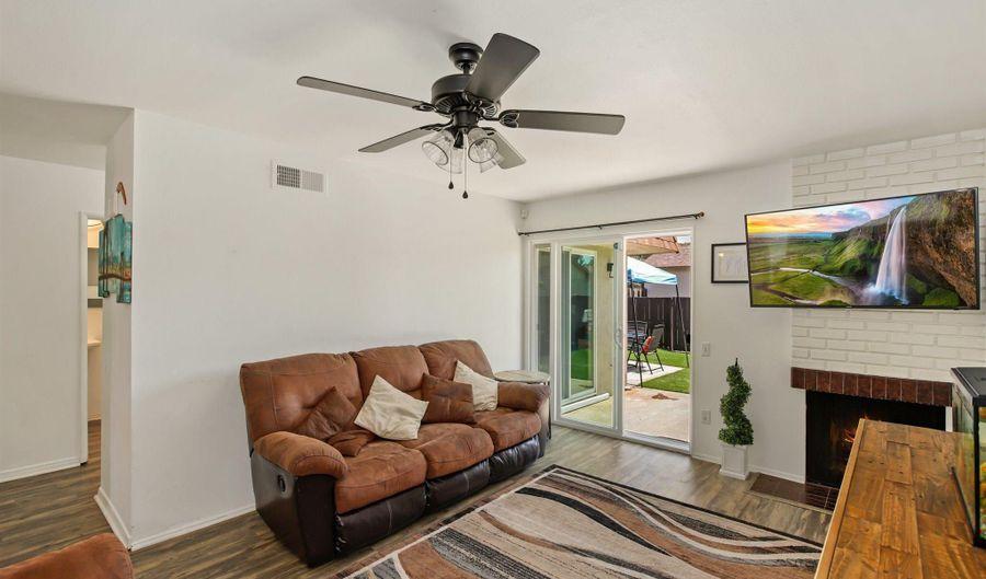 214 Holiday Way, Oceanside, CA 92057 - 2 Beds, 1 Bath