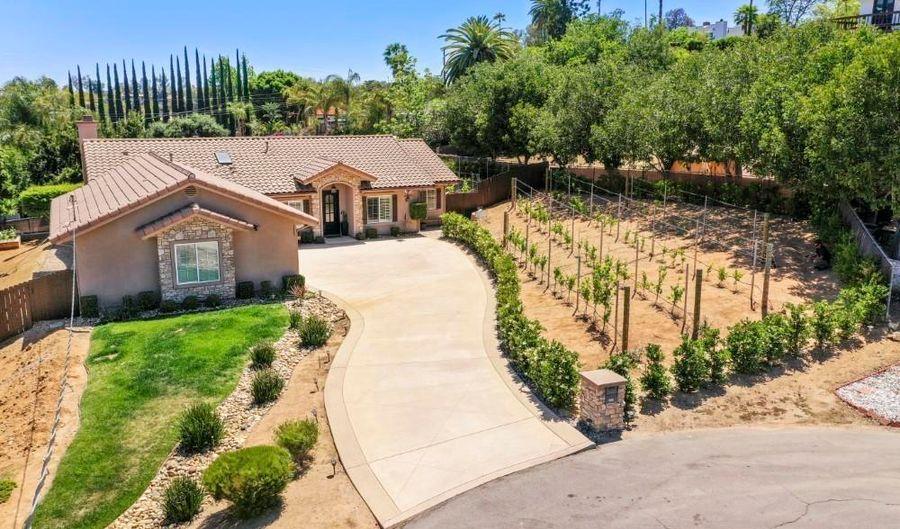 1427 Lloyd Place, Escondido, CA 92027 - 3 Beds, 3 Bath