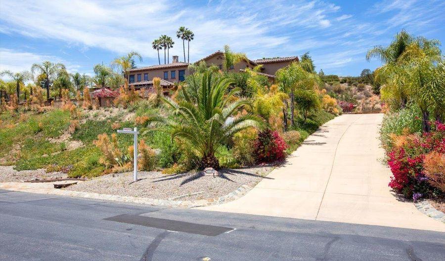 9686 Welk View Drive, Escondido, CA 92026 - 3 Beds, 3 Bath