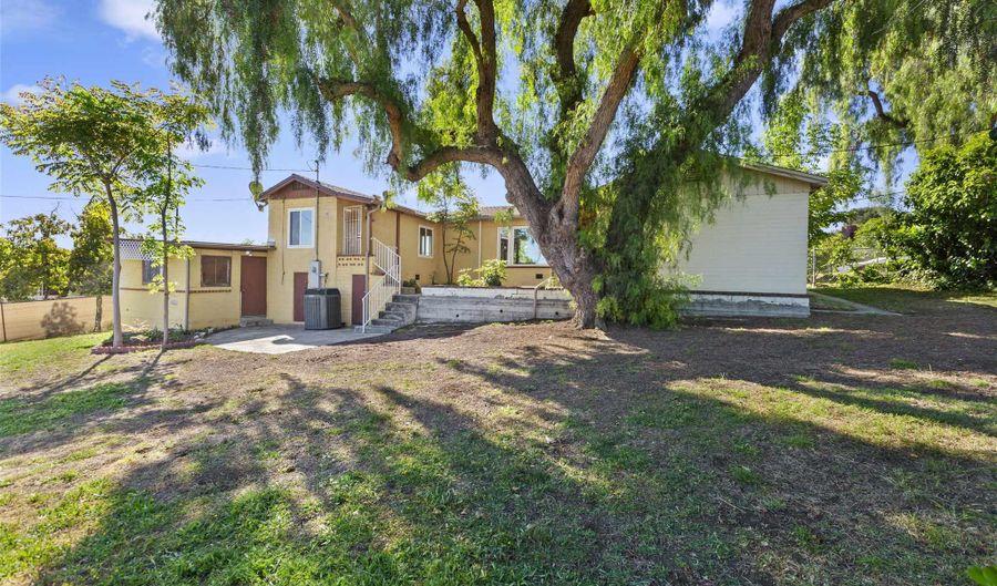 10366 San Carlos Dr, Spring Valley, CA 91978 - 2 Beds, 1 Bath