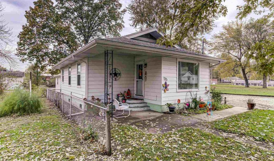 125 SUMMIT Avenue, Kincaid, IL 62540 - 2 Beds, 1 Bath