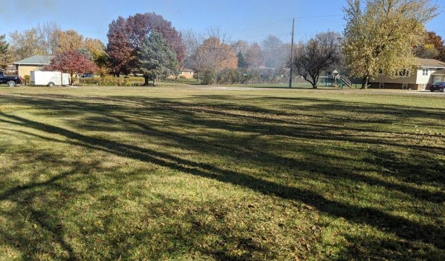 Lot 26 & 27 LAUREL Street, Manito, IL 61546 - 0 Beds, 0 Bath