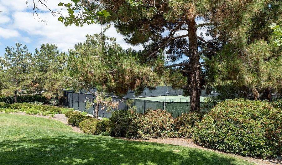 11559 Compass Point Dr N, San Diego, CA 92126 - 3 Beds, 3 Bath