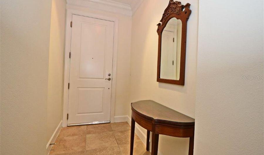 2305 EDGEWATER DRIVE, Orlando, FL 32804 - 2 Beds, 2 Bath