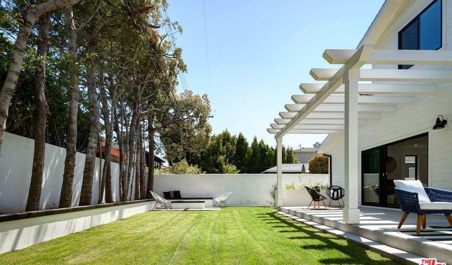 7452 Denrock Ave, Los Angeles, CA 90045 - 5 Beds, 5 Bath
