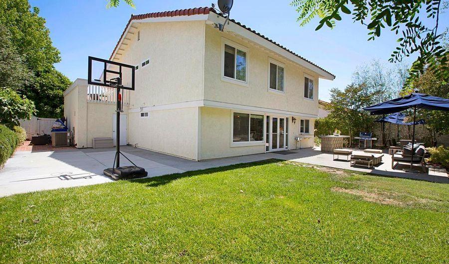 617 Santa Helena, Solana Beach, CA 92075 - 4 Beds, 3 Bath