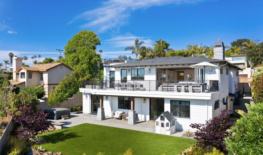 425 S Rios Ave, Solana Beach, CA 92075 - 5 Beds, 5 Bath