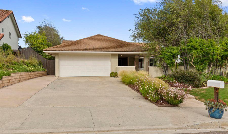 2819 La Nevasca Lane, Carlsbad, CA 92009 - 3 Beds, 2 Bath