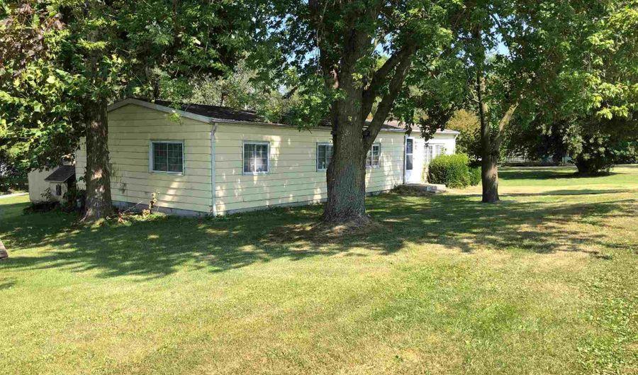 1106 Taylorville Street, Kincaid, IL 62540 - 3 Beds, 2 Bath