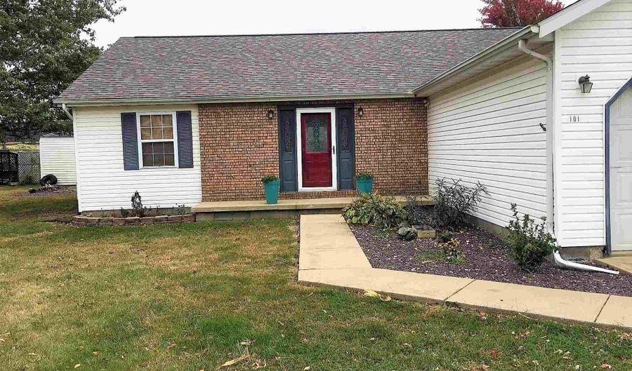 101 WALNUT Street, Kincaid, IL 62540 - 3 Beds, 2 Bath