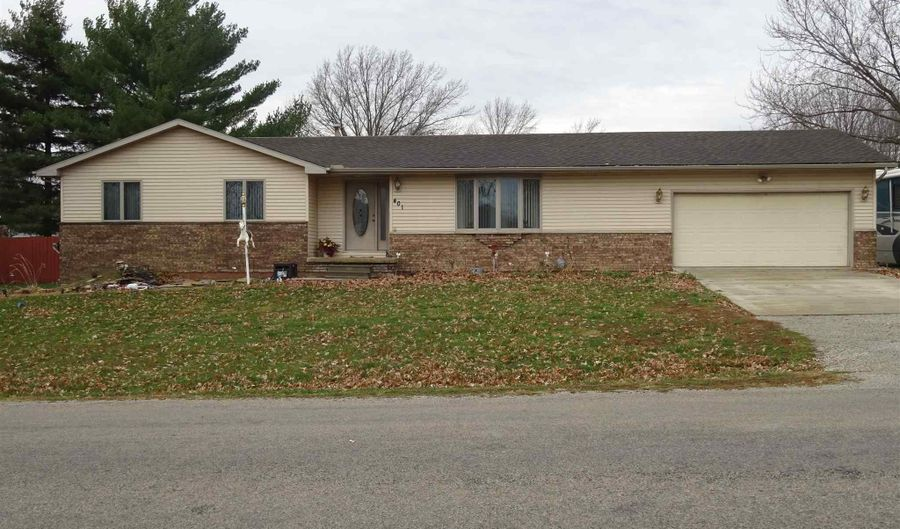 401 COMMONWEALTH Avenue, Kincaid, IL 62540 - 3 Beds, 2 Bath