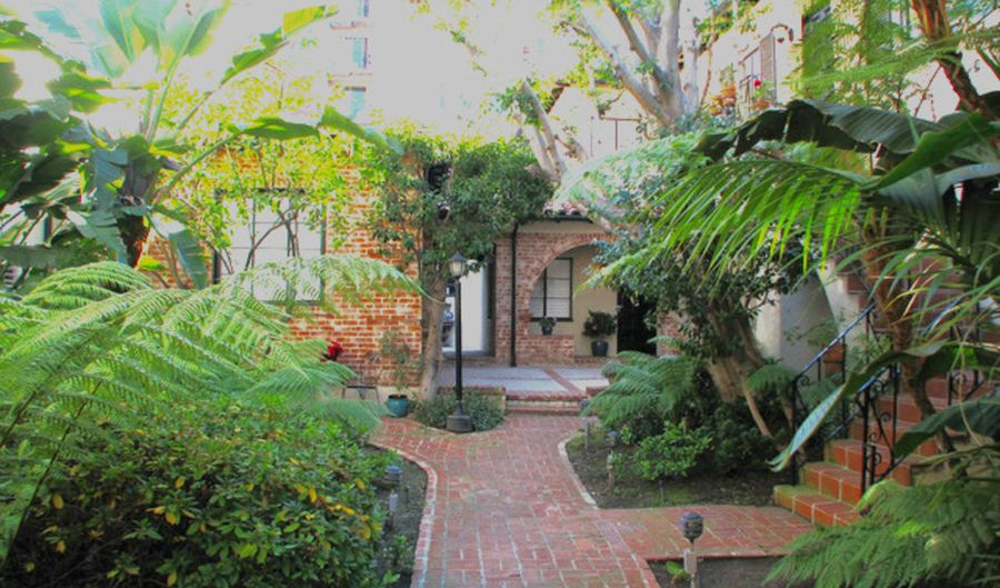 10830 Lindbrook Dr, Los Angeles, CA 90024 - 1 Beds, 1 Bath