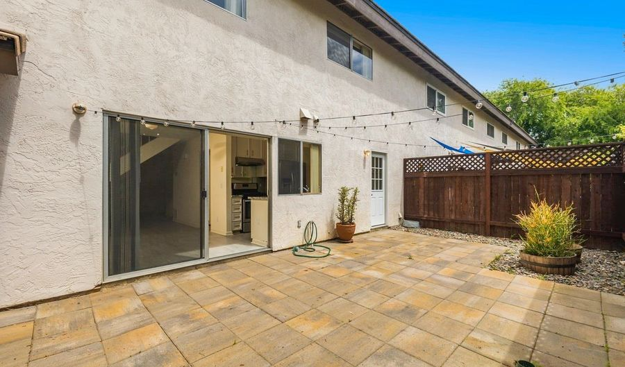 405 Bay Meadows Way, Solana Beach, CA 92075 - 3 Beds, 3 Bath