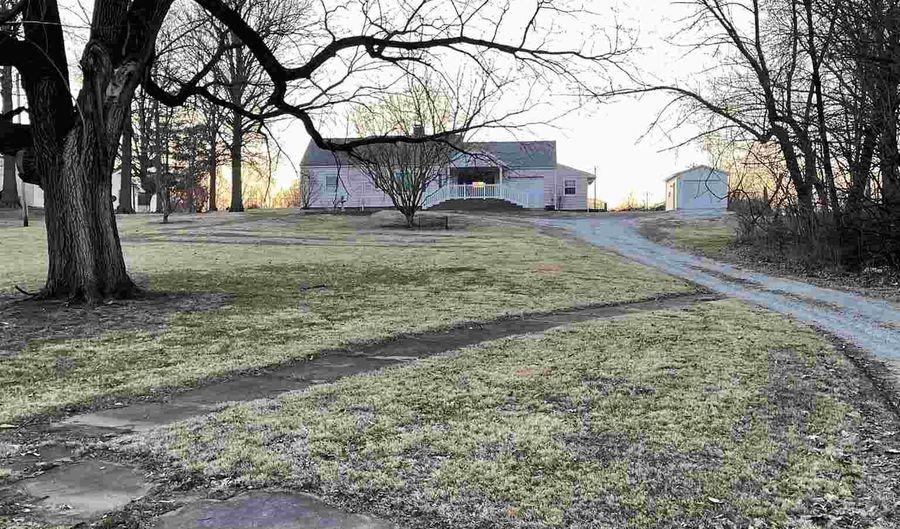 407 CENTRAL Avenue, Kincaid, IL 62540 - 2 Beds, 1 Bath
