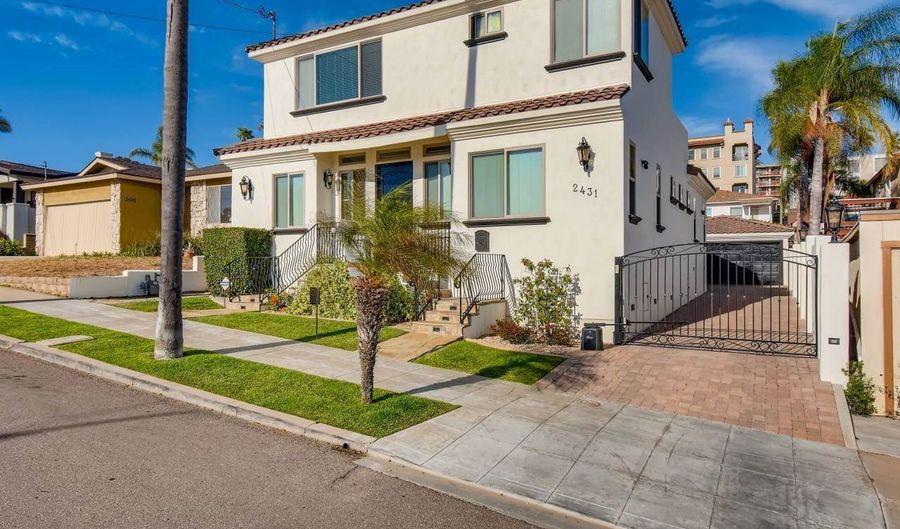2431 Curlew St, San Diego, CA 92101 - 4 Beds, 3 Bath