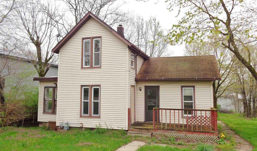104 N ADAMS Street, Manito, IL 61546 - 2 Beds, 2 Bath