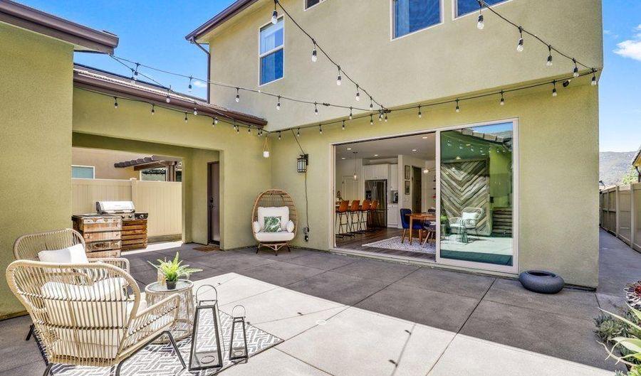 2839 California Poppy St, Escondido, CA 92029 - 4 Beds, 3 Bath