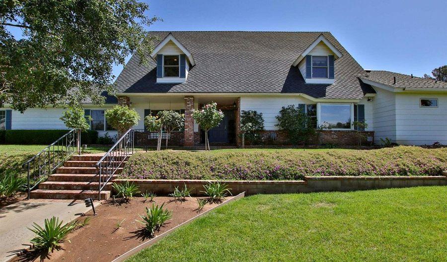 1264 Little Oaks Lane, Alpine, CA 91901 - 3 Beds, 4 Bath