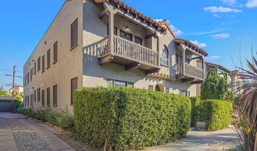 410 N GENESEE AVE, Los Angeles, CA 90036 - 2 Beds, 2 Bath